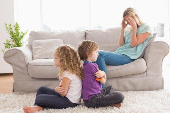 Auginate du ir daugiau vaikų: psichologė įvardino pagrindinę klaidą, kurią daro daugelis tėvų