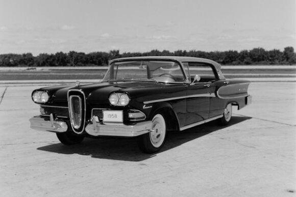Edsel Corsair (1958 m.)