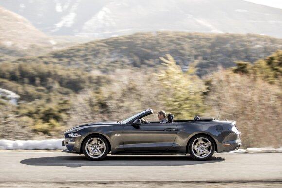 """Gamintojai atnaujino ir """"Mustango"""" kabrioleto versiją"""