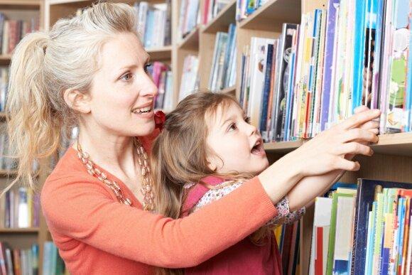 Ką daryti, kad vaikas savo noru skaitytų knygas: patarimai, kurie pravers viltį praradusiems tėvams