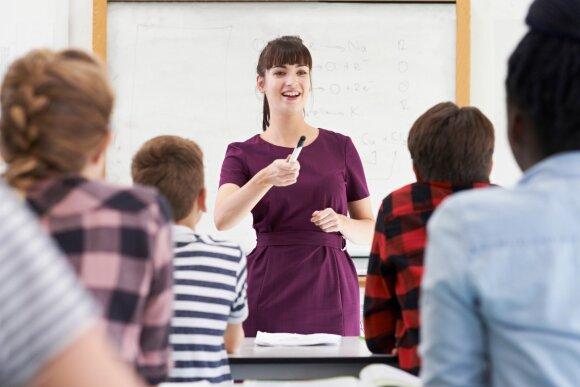 Bronislovas Burgis: 6000 nereikalingų mokytojų atlyginimų reikia padalinti geriausiems pedagogams