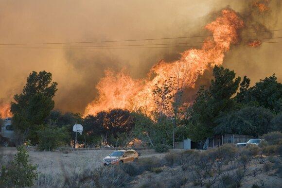 Visoje Lietuvoje fiksuojamas didelis pavojus: rekomenduojama nebūti lauke, gresia rimtas gaisras