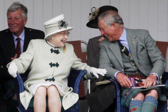 Karalienė Elžbieta II, princas Čarlzas