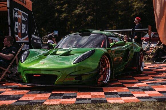 """Unikalų """"Lotus"""" kaunietis savo garaže konstravo šešerius metus. Igno Galaunės nuotr."""
