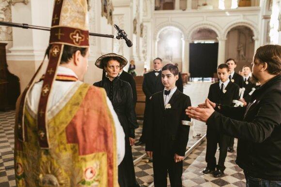 On set of Pope vs. Hitler