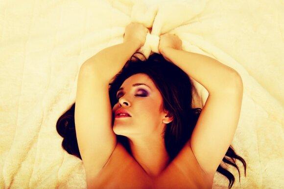 Nepakenks sužinoti, ko iš tiesų moterys trokšta miegamajame ir kaip pasiekia orgazmą