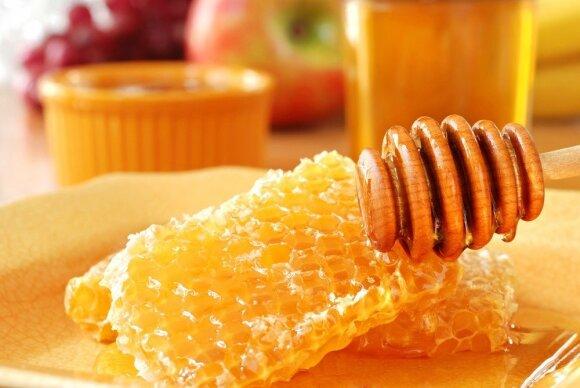 Medus norintiems sulieknėti: šio natūralaus saldiklio pliusai ir minusai