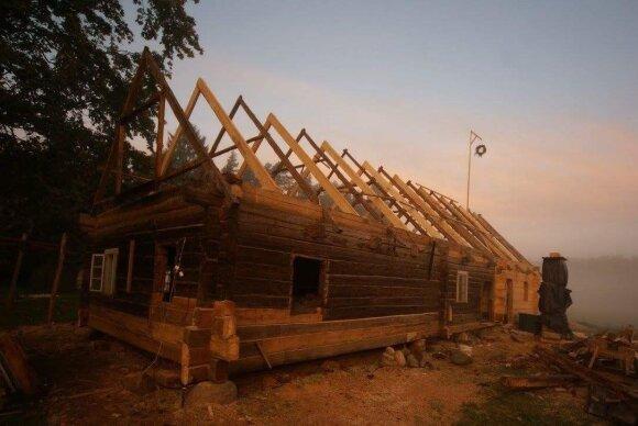 Senosios medinės kaimo sodybos: kodėl ir kaip jas tausoti?