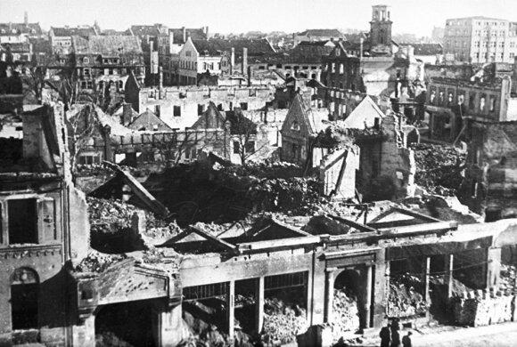 Subombarduotas Klaipėdos centras. 1945 m. pavasaris