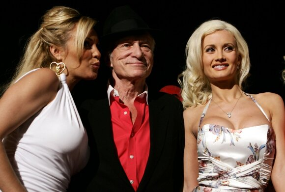 Hugh Hefneris, Holly Madison ir Bridget Marquardt