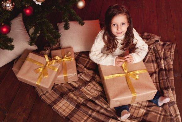 Dovaną supakuoti norėjusi mergina neteko amo išgirdusi dėžutės kainą: tai absurdiška