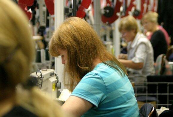 Didžiausi sunkumai dar tik laukia: verslininkai užsimena apie drastiškus sprendimus dėl darbuotojų
