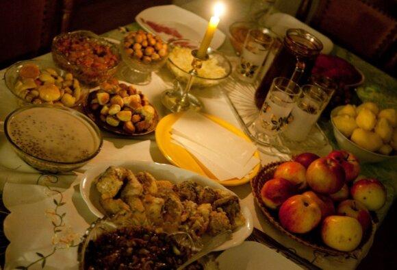 Diena, kai vakarieniauti kviečiami mirusieji: kaip neprisišaukti nelaimių