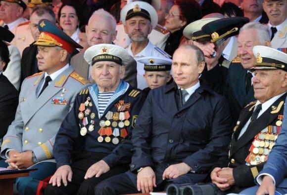 Skaudi likimo ironija: McCainą numušusį karininką Kremlius pasmerkė skurdui