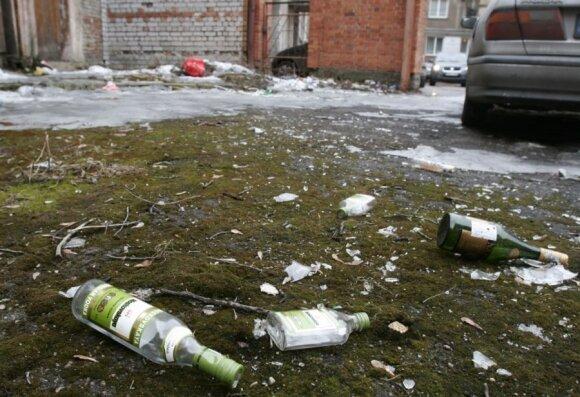 Stipriųjų gėrimų buteliai bent jau kol kas depozito sistemoje nedalyvaus