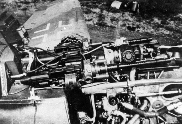 """Poriniai """"Messerschmitt 109"""" kulkosvaidžiai."""