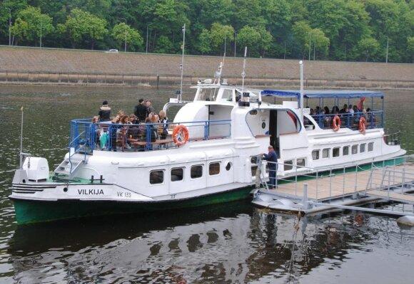 Šiltojo sezono hitas – kelionės laivais Nemunu – galimybė sutaupyti ne tik laiko, bet ir pinigų