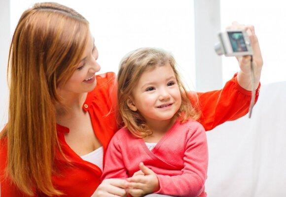 Tėvai dėjo dukters nuotraukas į feisbuką ir buvo paduoti į teismą