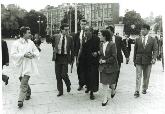 L.Andrikienė su Dalai Lama Vilniuje