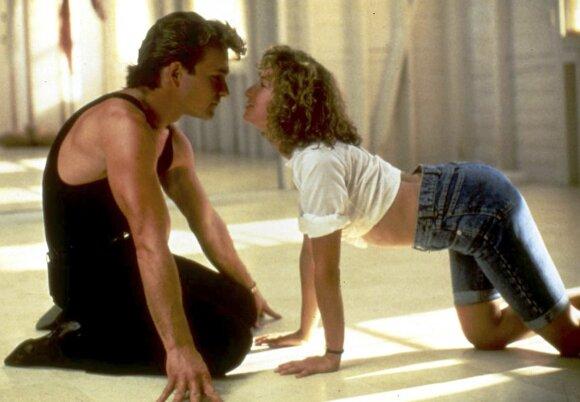 """Patrickas Swayze'as ir Jennifer Grey filme """"Purvini šokiai"""" (1987)"""