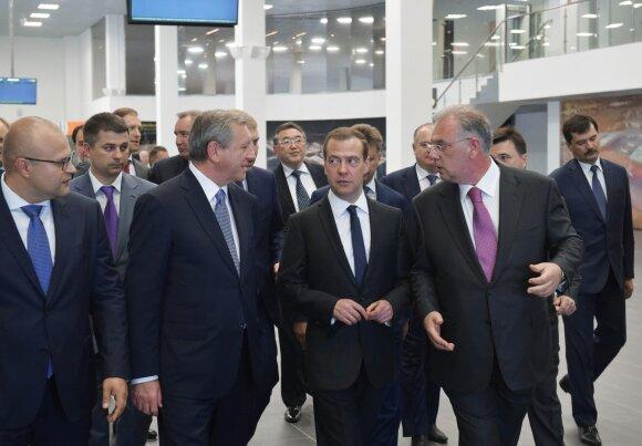 D. Medvedevas atidarė lietuvių statytą oro uostą, iš kurio skrydžiai prasidės vėliau