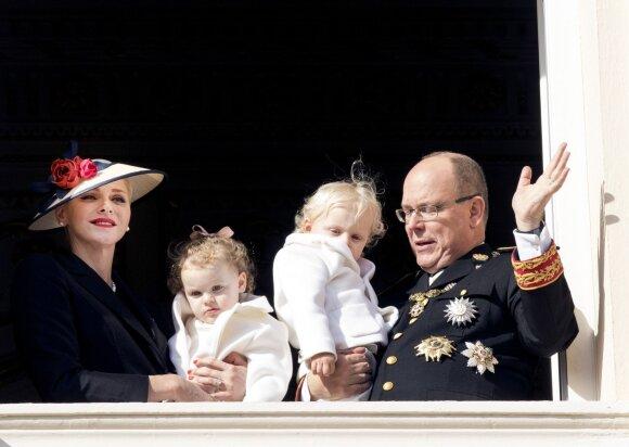 Monako karališkoji šeima po ilgos pertraukos pagaliau parodė savo dvynukus