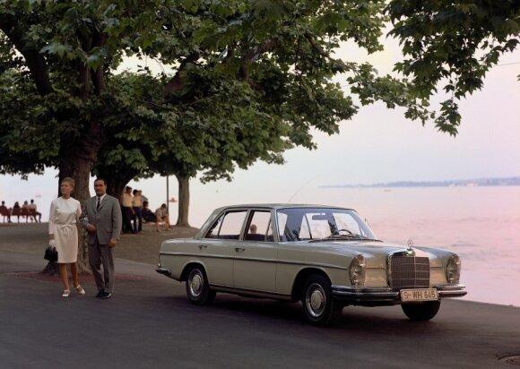 Mercedes-Benz 250 SE (1966 m.)