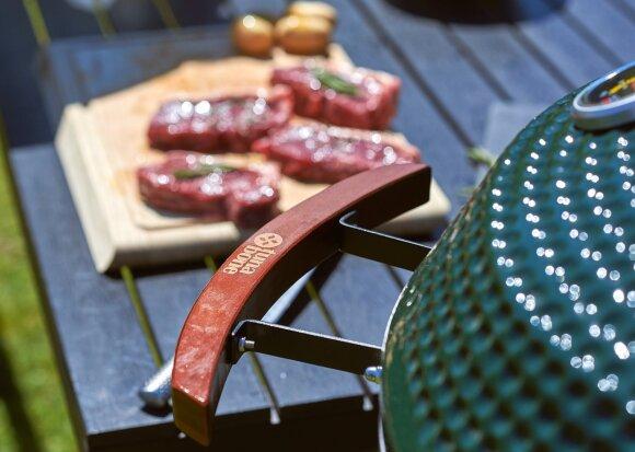 Neprikaitinkite namų – ruoškite pietus ant griliaus lauke