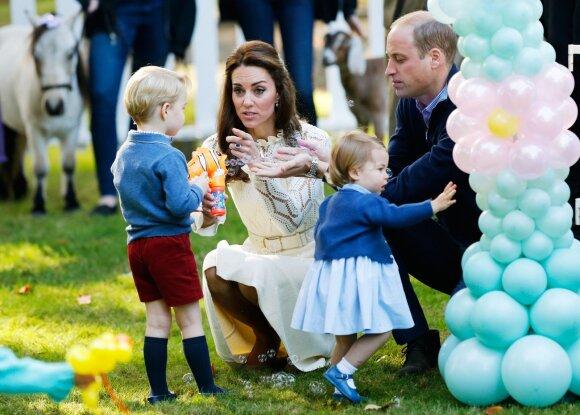Kodėl princas ir princesė negauna jiems siunčiamų tūkstančių dovanų iš viso pasaulio