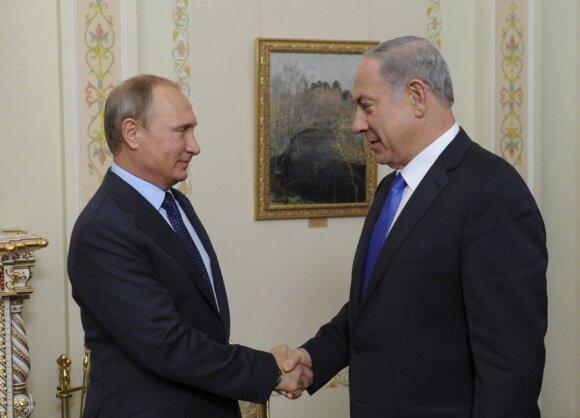 B. Netanyahu, V. Putinas