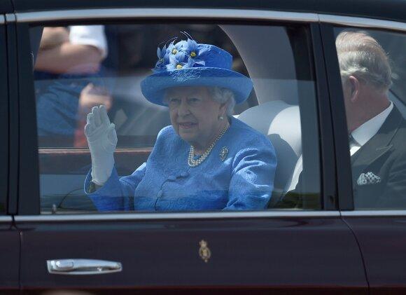 Karališkasis garderobas: aksesuarai higienai ir griežti draudimai mažiesiems