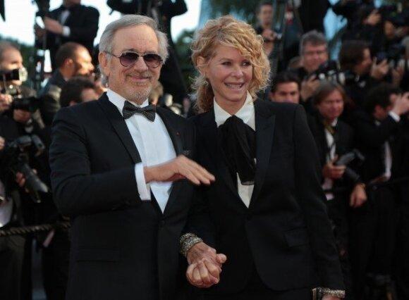 Komisijos pirmininkas Stevenas Spielbergas su žmona Kate Capshaw