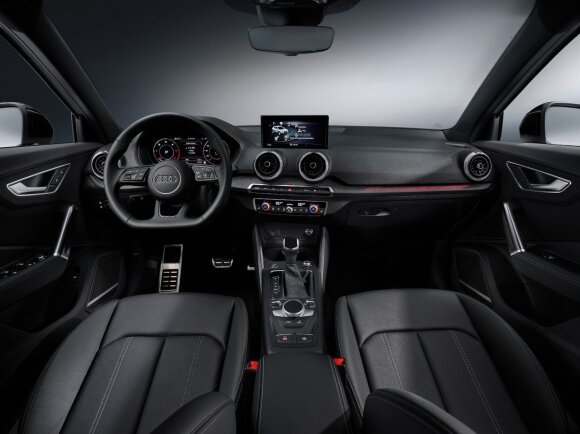 """Ištobulintas iki mažiausių detalių: """"Audi"""" atnaujino miesto visureigį Q2"""