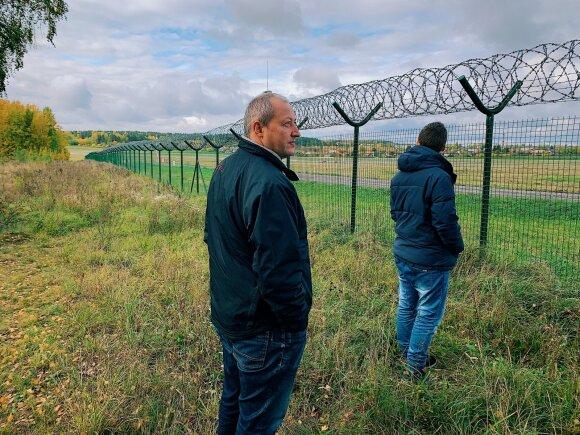 Soduose prie Vilniaus renkasi lėktuvų stebėtojai: norisi romantikos, bet tenka pakovoti su vietiniais gyventojais