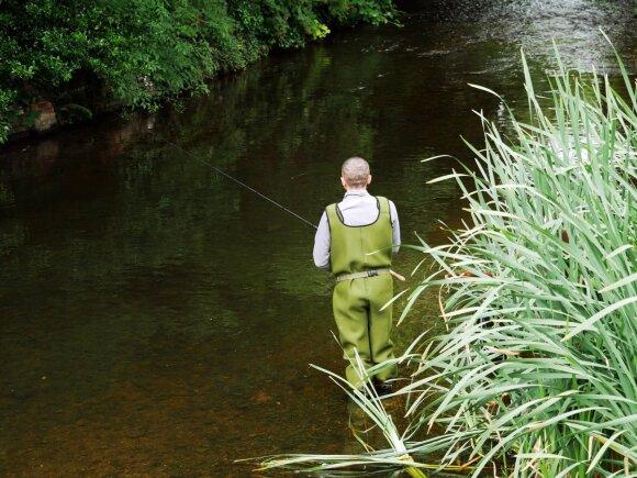 Puikus būdas gaudyti šapalus yra įsibridus į upę