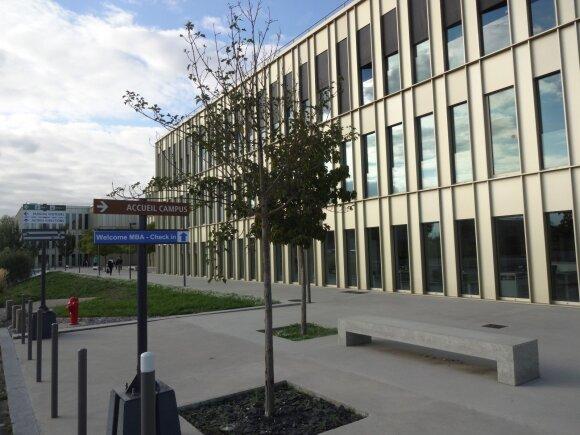 HEC Paris studentų miestelis