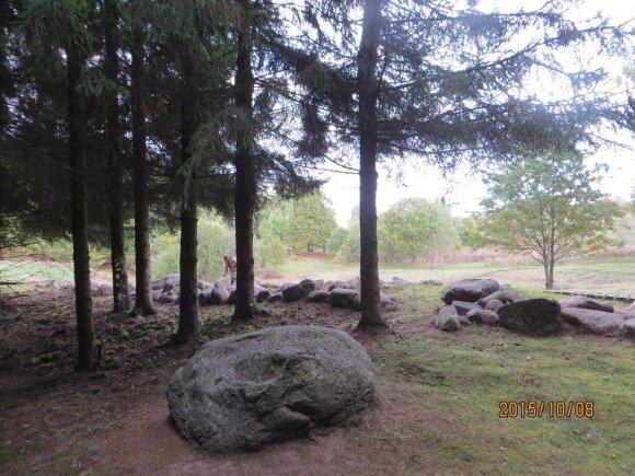 Mergiškių alko akmenys