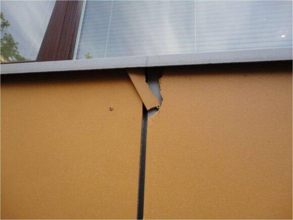 Neteisingai kniedėmis pritvirtintos plokštės sugadinamos / BETA nuotr.