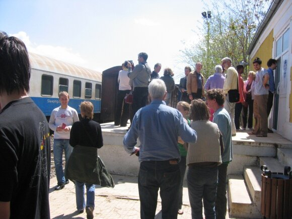 Per Kazachstaną traukiniu keliavę lietuviai pasijuto nelaukiami: jei nepatinka, stokitės ir eikite iš čia, neužimkite vietos