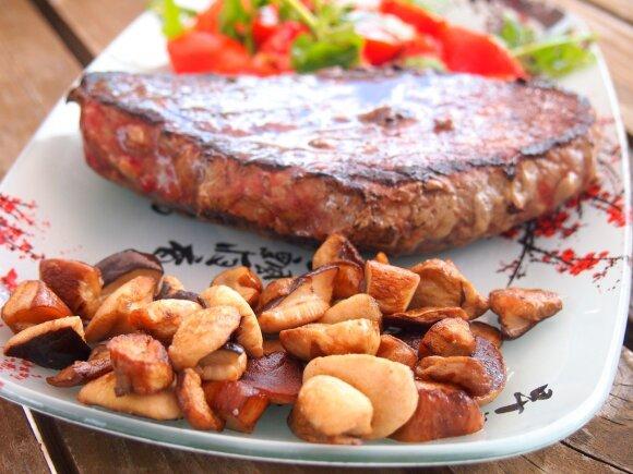 Sultingas mėsos kepsnys ir tobulas jo garnyras