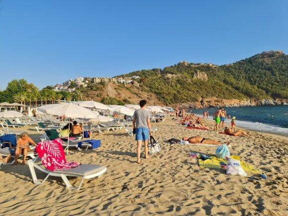 """Turkijoje prasidėjo """"antra vasara"""": pilni lėktuvai lietuvių atostogauja už juokingas kainas"""