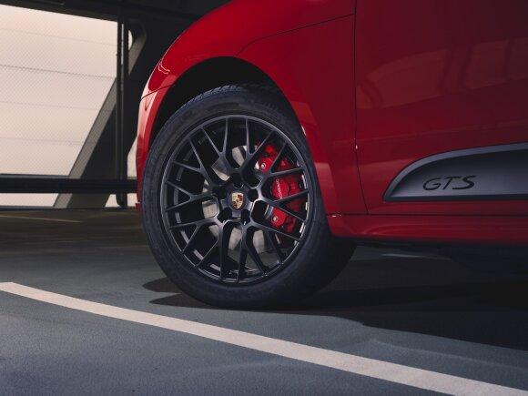 """Pristatytas naujas GTS šeimos narys: """"Porsche Macan"""""""