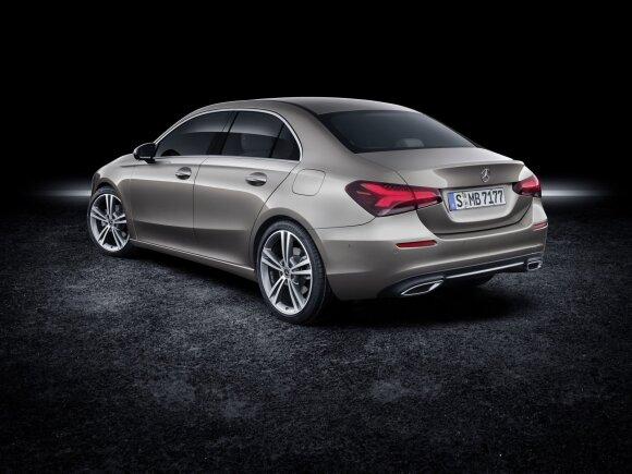 """""""Mercedes-Benz"""" A klasės sedanas"""
