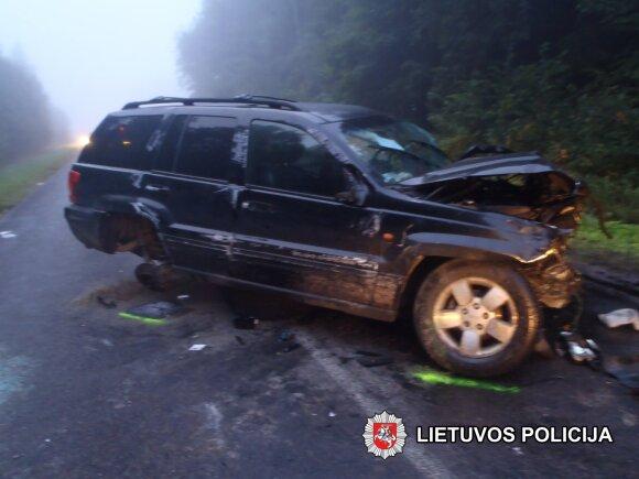 Kraupi avarija Vilniaus rajone nusinešė dviejų žmonių gyvybes: dar du vyrai atsidūrė ligoninėje