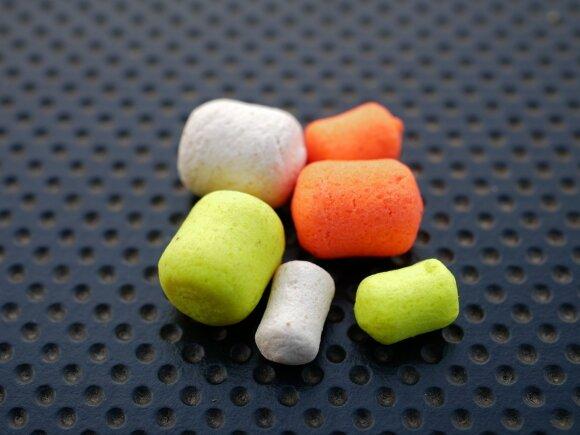 8 ir 6 mm. dydžio statinės formos baltyminiai kukuliai