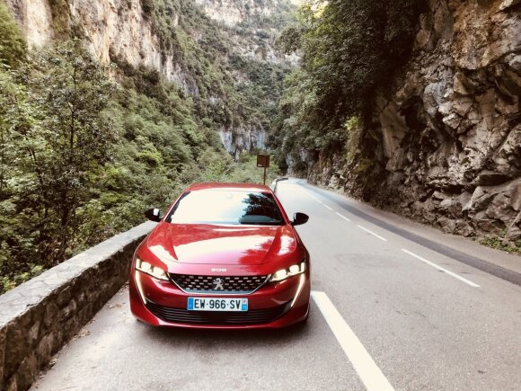 "Naujojo ""Peugeot 508"" bandymai"