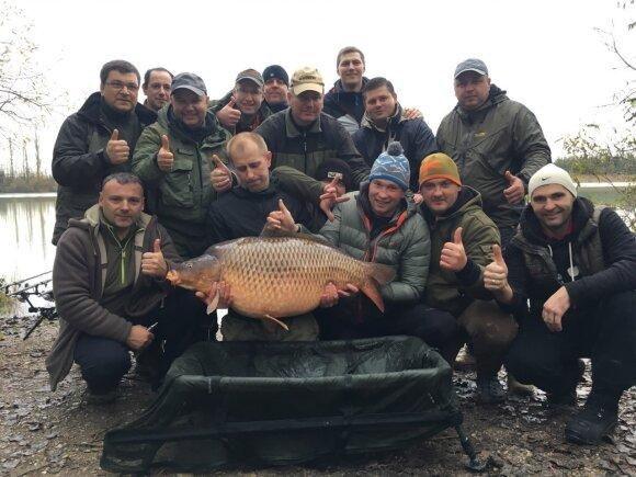 Pagerintas Lietuvos karpio rekordas - didžiulė žuvis svėrė beveik 28 kg
