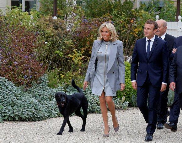 Prancūzijos prezidentas Emmanuelis Macronas su žmona keliauja kartu su Nemo