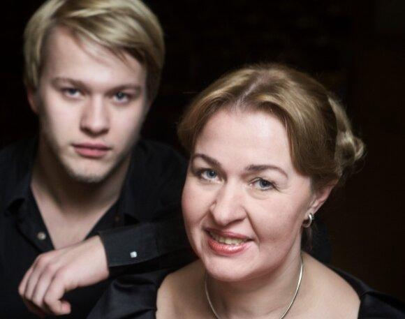"""Nacionalinė filharmonija, orkestro muzikos koncertas """"Dinastija"""", pianistai Aleksandra Žvirblytė, Paulius Anderssonas"""