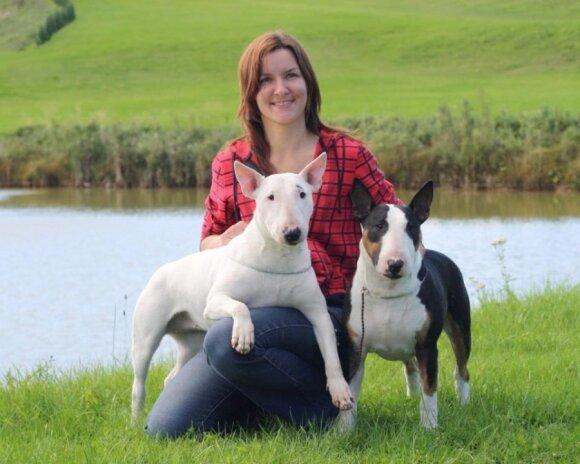 Vaida Velykytė su šunimis